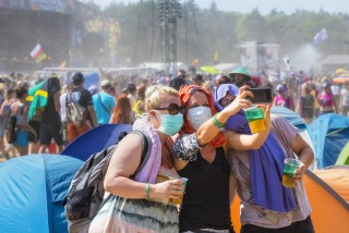 Face masks now mandatory at outdoor events with more than 100 people in Prague