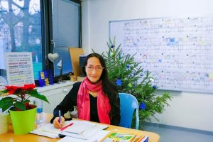 Lily  20+Years Qualified Native Chinese Lecturer   Available for Face-to-Face + Online