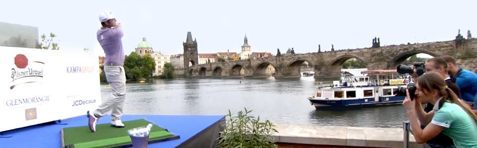 Golfers Aim for Floating Keg on Vltava to Open Czech Masters