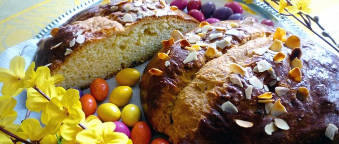 Easter Baking: Mazanec, beránek, and nádivka