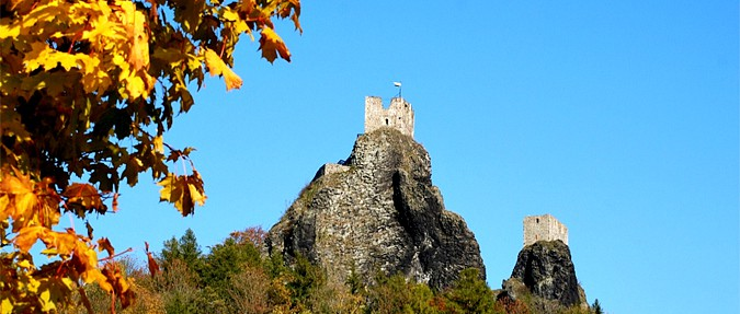 6 Ruins to Hike this Autumn