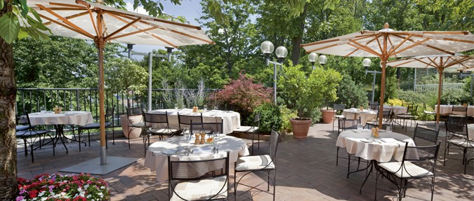 Summer unconventional parties in the Il Giardino Restaurant