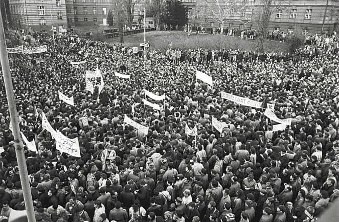 A Chronology of Protest: The People, Places, and Dates of the Velvet Revolution