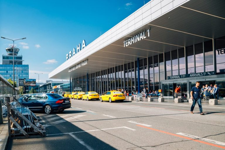 Prague Taxi Drivers Skirt Airport Fees - at Customers' Expense