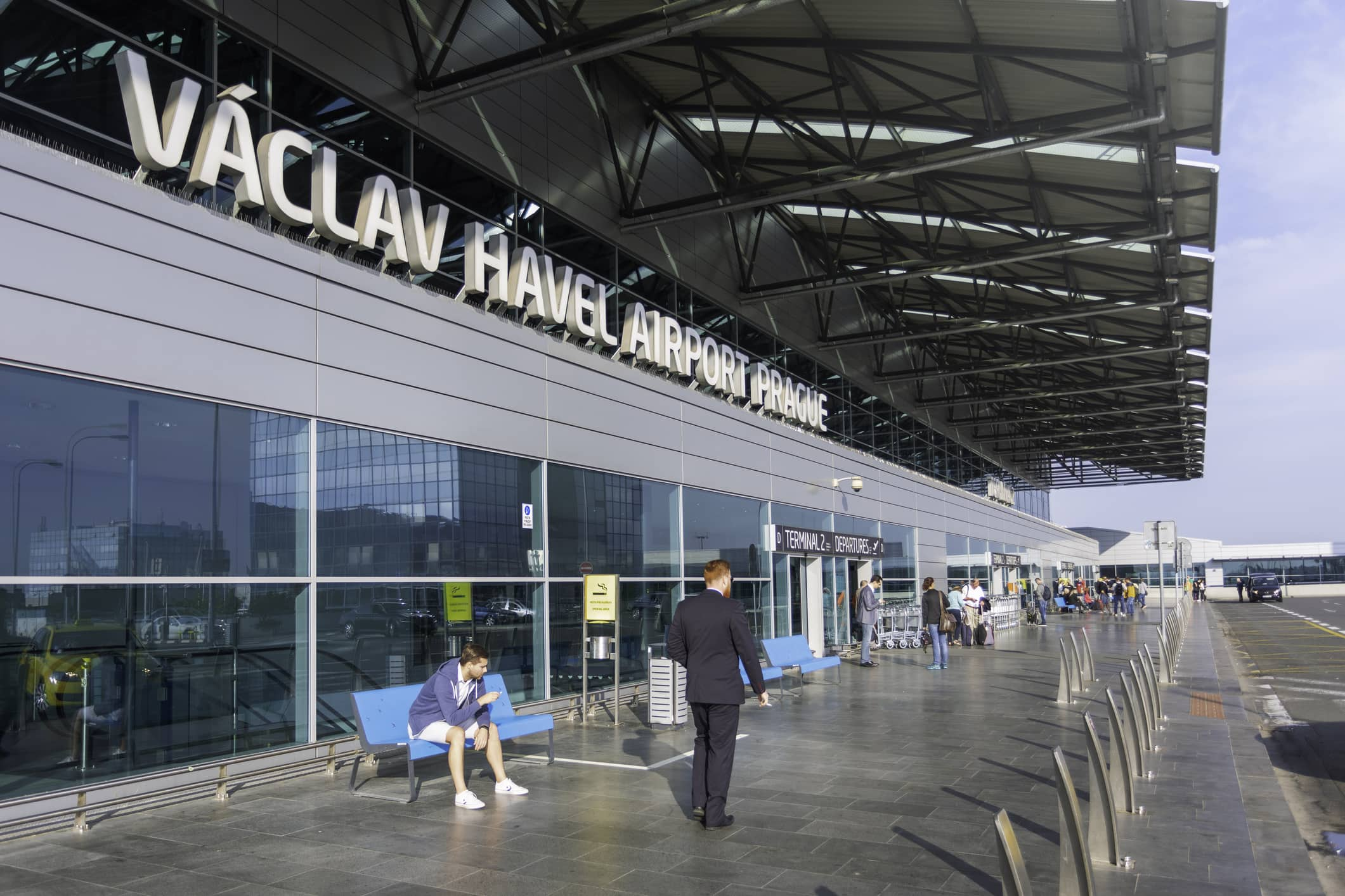 Prague's airport expands express security checks for Schengen flights, but for a fee