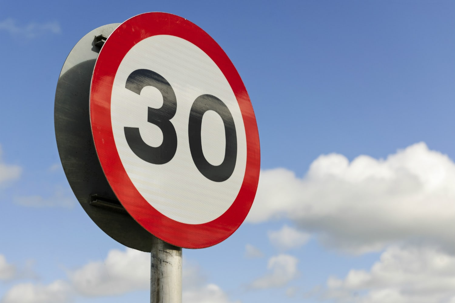 Might Speed Limits in Czech Cities and Towns go Down to 30 km/h?