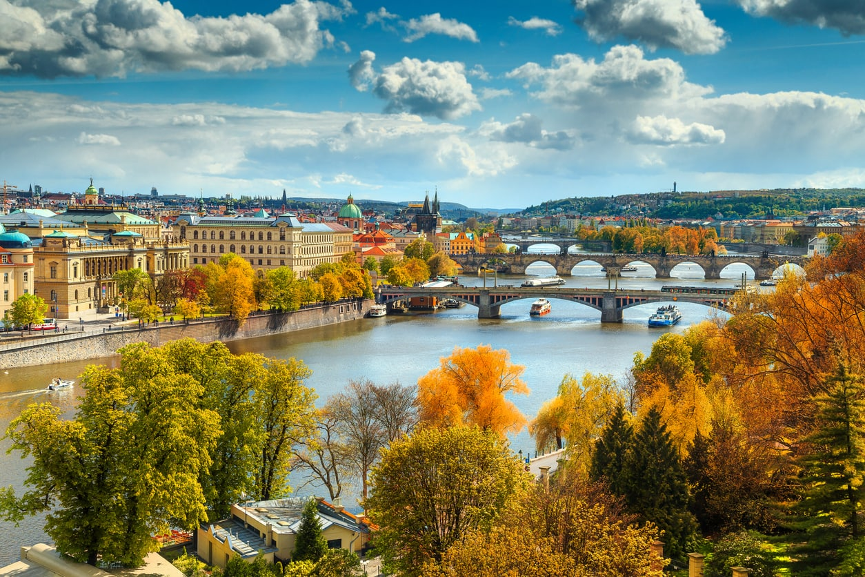 Prague ranked among world's top 10 expat cities, best for career expats