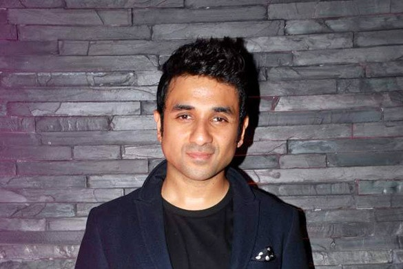 Indian Actor Vir Das Accuses Prague Cafe of Racism
