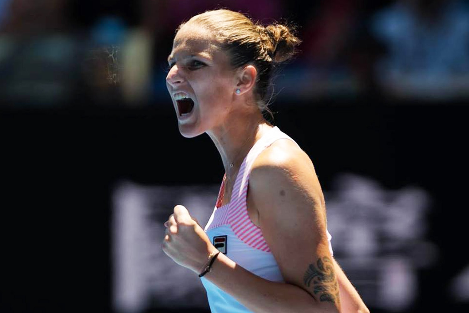 Plíšková knocks Serena out of Australian Open, sets up possible all-Czech final