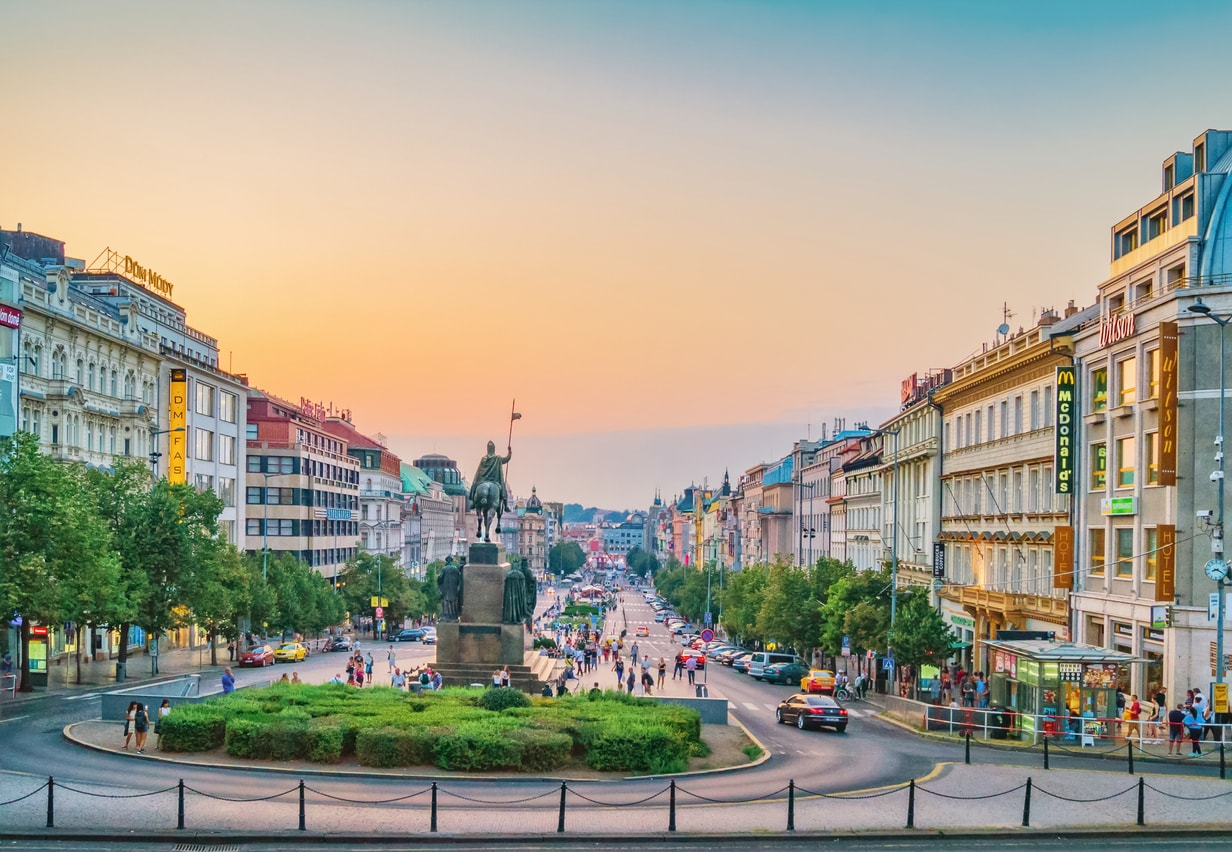 It's official! Trams to ride down Prague's Wenceslas Square by 2022