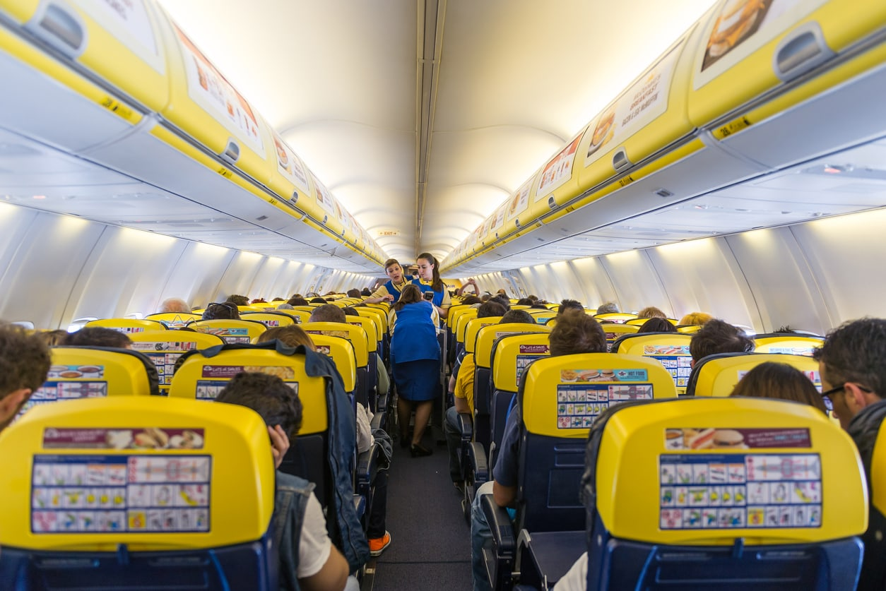 Ryanair passengers stuck on board plane at Prague Airport for 6 hours