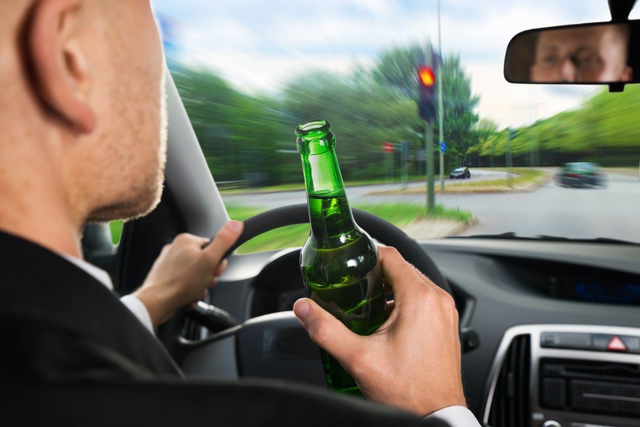 Czech MPs propose to raise drinking & driving tolerance