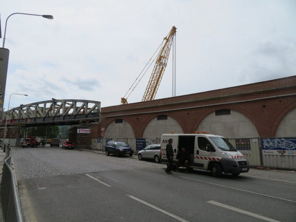 Repairs on Prague's Negrelli Viaduct are half a year behind schedule, completion pushed to mid-2020