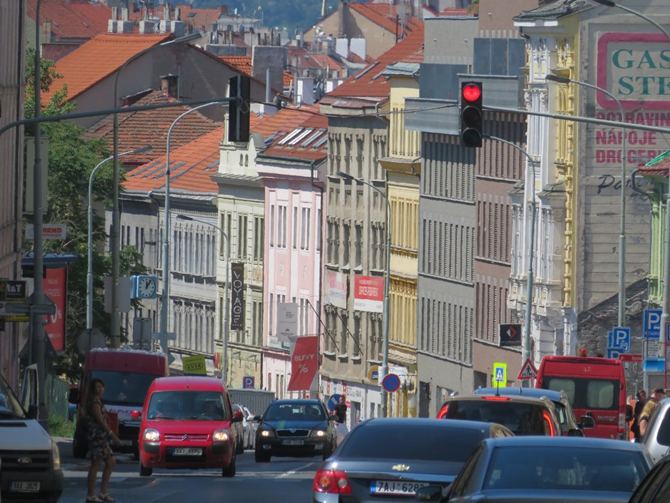 Prague will start measuring air pollution from cars at road stops