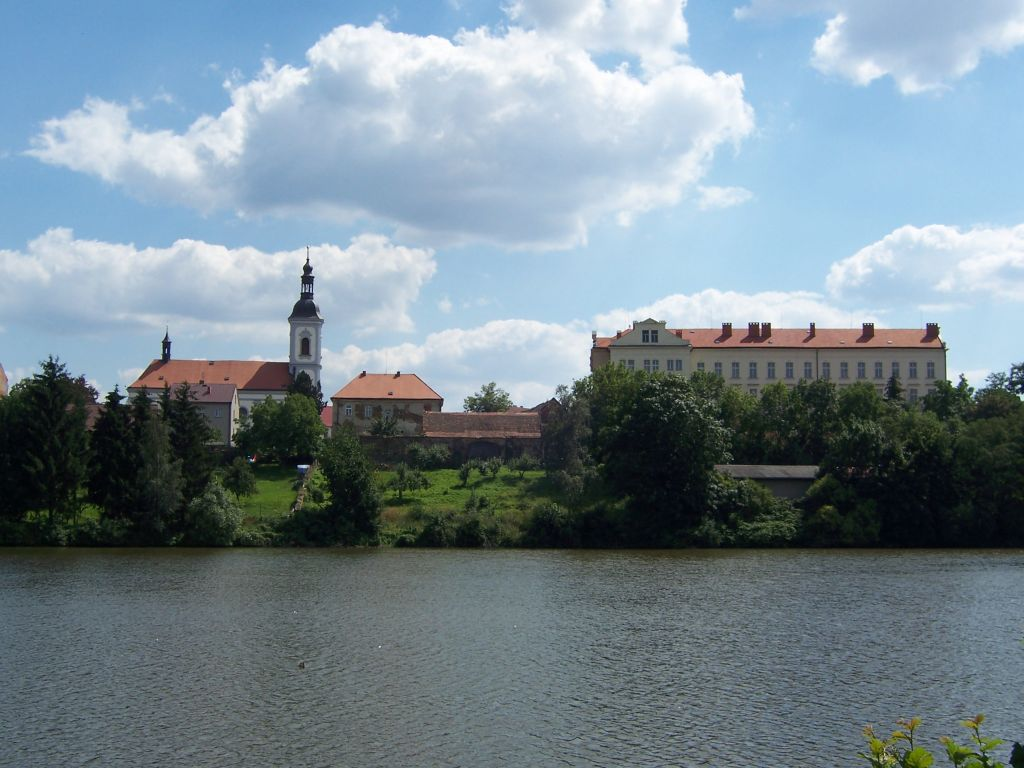 Říčany retains crown, Prague comes in second in Czech quality of life rankings