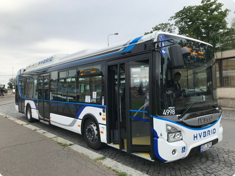 Prague testing two hybrid buses to help reduce CO2 emissions