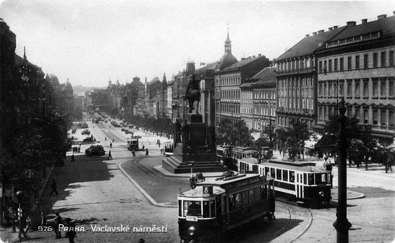 trams wenceslas square