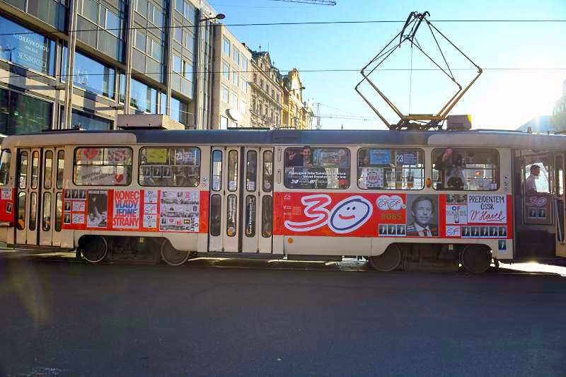 Václav Havel's 1989 campaign tram returns to the Prague Castle route