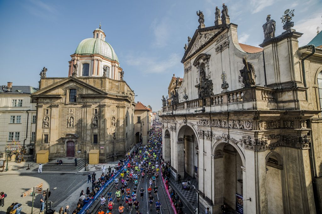 Train for the Prague Marathon and Half Marathon for free this year