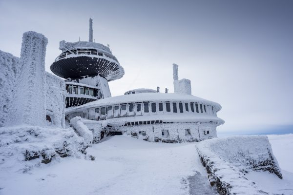 Weather observatory on Sněžka mountain via iStock.com / Nirian