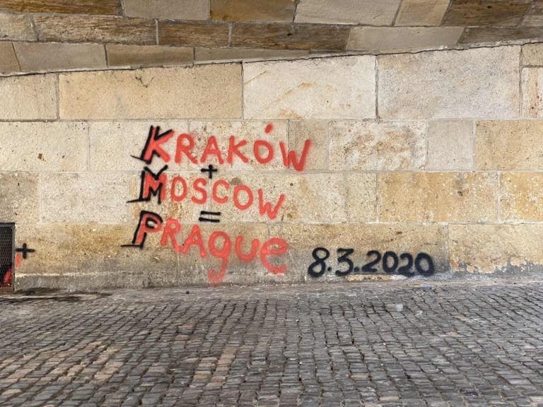 Charles Bridge vandalized again with graffiti