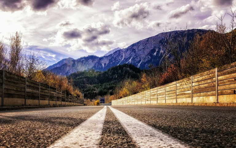 Austrian highway via Peter H from Pixabay