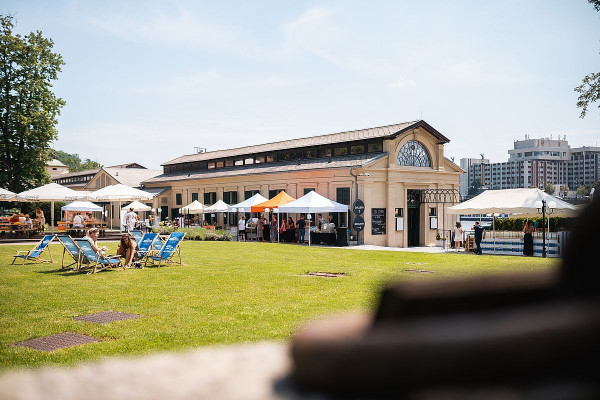 "A ""pier"" pops up in Prague: enjoy a new summertime space along the waterfront from today"