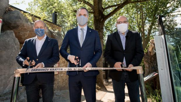 The Darwin's Crater exhibition of Tasmanian and Australian fauna was ceremoniously opened (from the right) by the director of the Prague Zoo Miroslav Bobek, the mayor of the capital city of Prague Zdeněk Hřib and deputy mayor Petr Hlubuček. Photo: Khalil Baalbaki, Prague Zoo.
