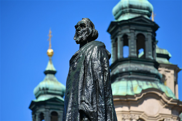 Jan Hus Statue in Prague's Old Town Square via iStock / Olivier DJIANN