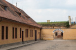 New exhibition commemorating wartime Roma genocide opens in Terezín